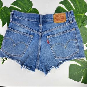Levi's Cut Off Jean Shorts Waist 25